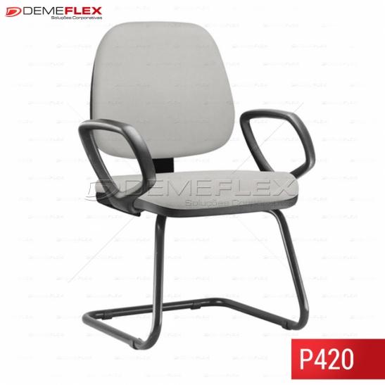 Cadeira Fixa Estrutura Preta Operacional Job com Braço Curitiba Demeflex